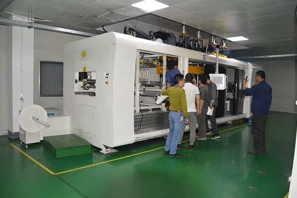 Fully Automatic thermoforming machine
