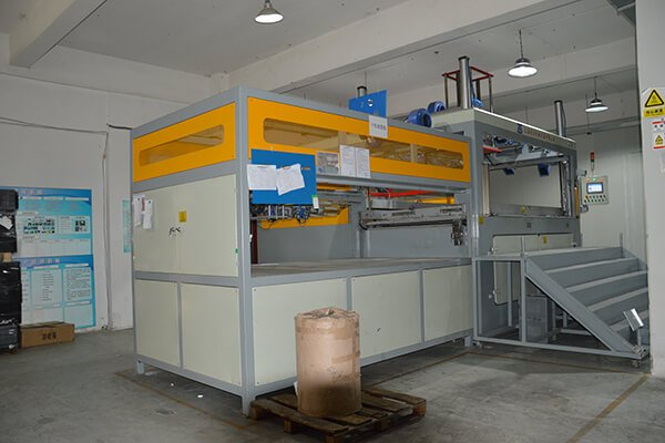 Thick Gauge Material Thermoforming machine