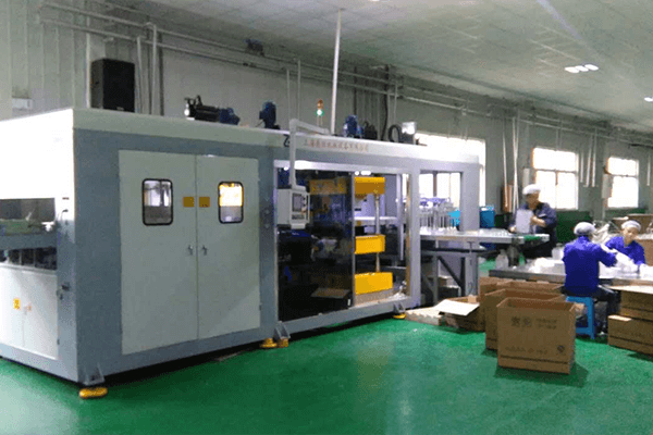 Vacuum Forming Production Line